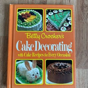 Betty Crocker Vintage Cake Decorating book